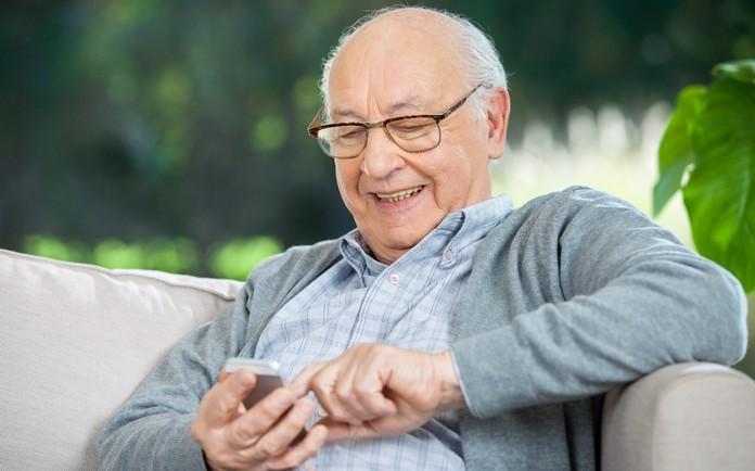 Die Deutsche Telekom spendiert 10.000 Smartphones für Alten- und Pflegeheime zum symbolischen Preis von je 1 € - inklusive Datentarif