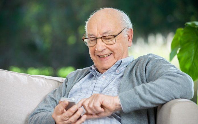 Stiftung Warentest testet Senioren-Handys